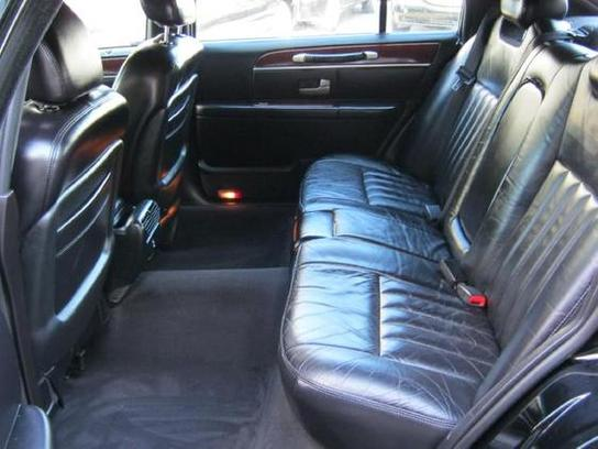 2004 lincoln town car interior pictures cargurus. Black Bedroom Furniture Sets. Home Design Ideas