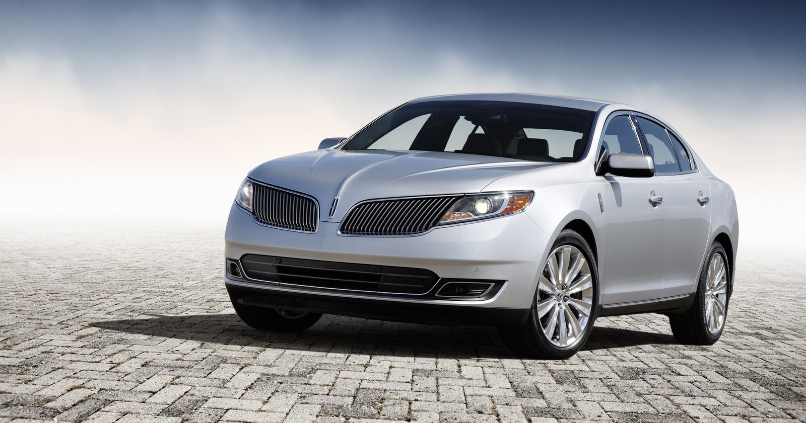 2013 Lincoln MKS, Front-quarter view, exterior, manufacturer