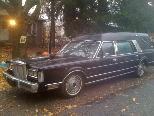 Picture of 1985 Lincoln Town Car