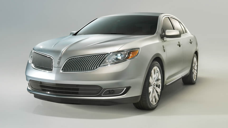 2013 Lincoln MKS, exterior front left quarter view, manufacturer, exterior