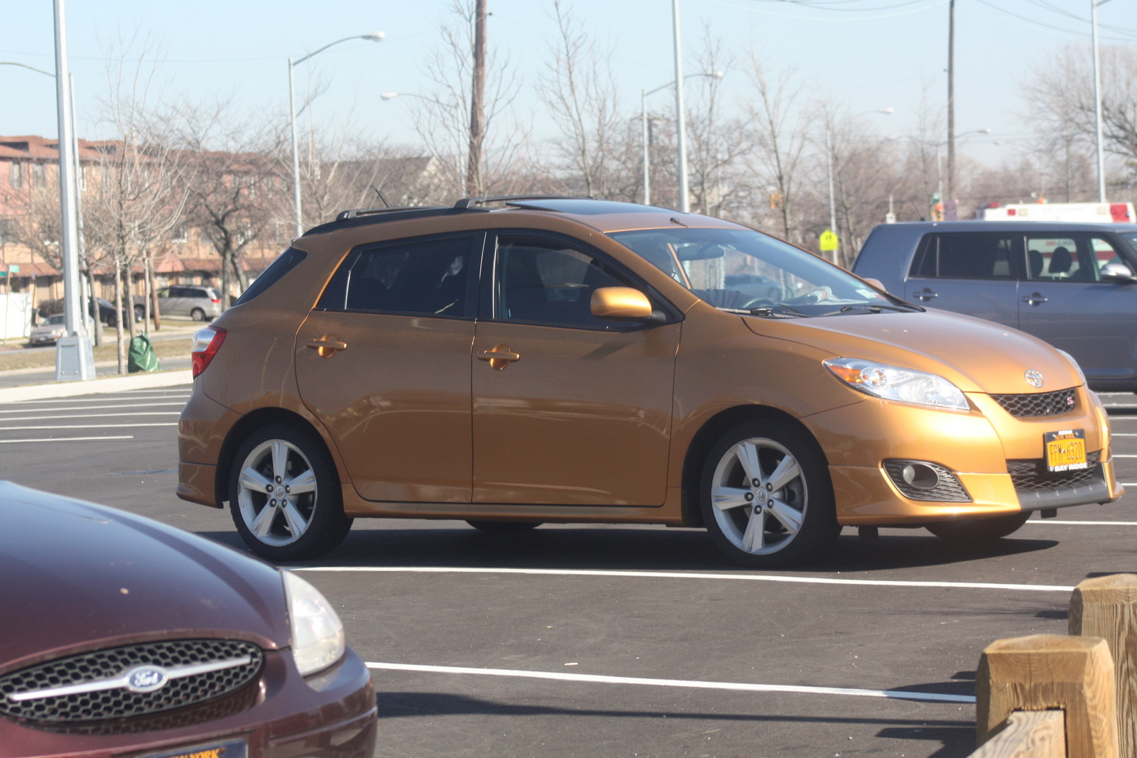 2009 toyota matrix exterior pictures cargurus. Black Bedroom Furniture Sets. Home Design Ideas