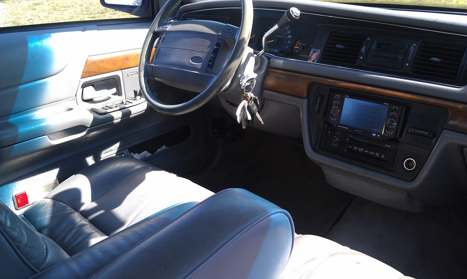 1993 ford crown victoria interior pictures cargurus. Black Bedroom Furniture Sets. Home Design Ideas