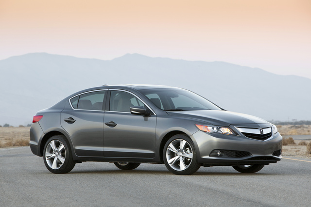 2013 Acura ILX, Front-quarter view. Copyright Acura, exterior, manufacturer, gallery_worthy