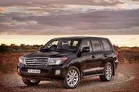 2013 Toyota Land Cruiser, Front-quarter view. Copyright Toyota, exterior, manufacturer, gallery_worthy
