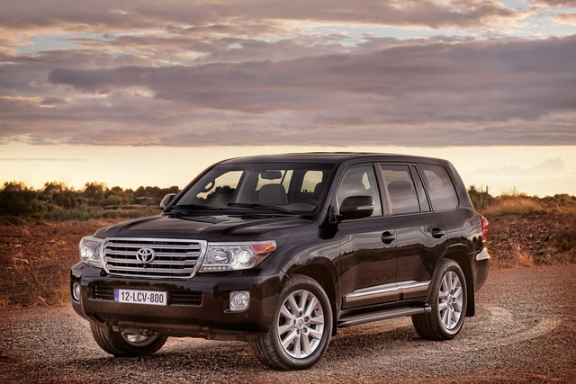 2013 Toyota Land Cruiser, Front-quarter view. Copyright Toyota, exterior, manufacturer