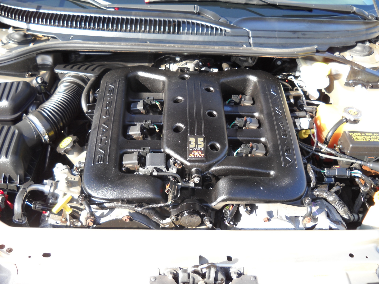 Picture Of 2004 Chrysler 300m Special Engine 123659