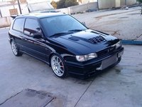 1994 Nissan Sunny Picture Gallery