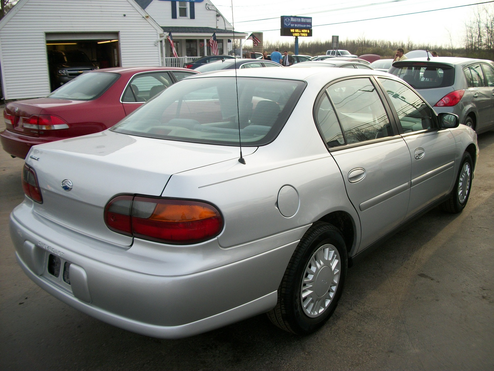 Chevrolet Classic Dr Std Sedan Pic on 2004 Chevy Lumina
