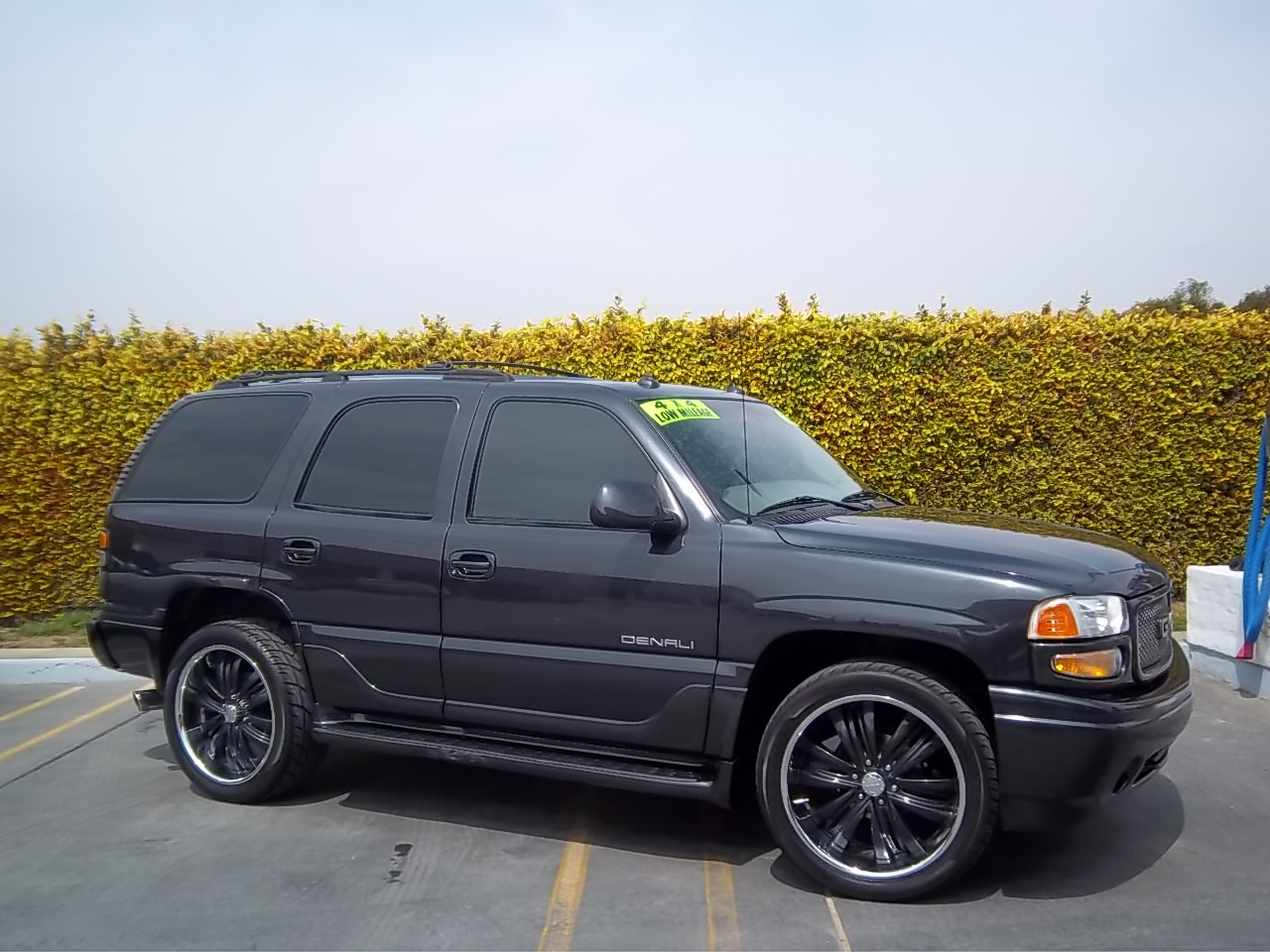 Picture of 2003 GMC Yukon XL 4 Dr Denali AWD SUV