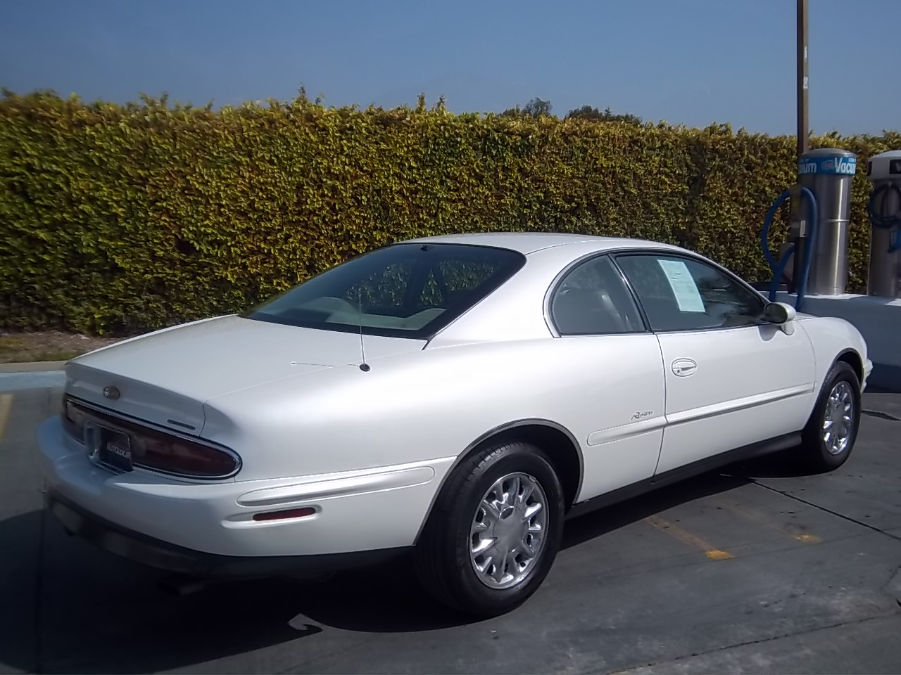 1996 Buick Riviera - Pictures