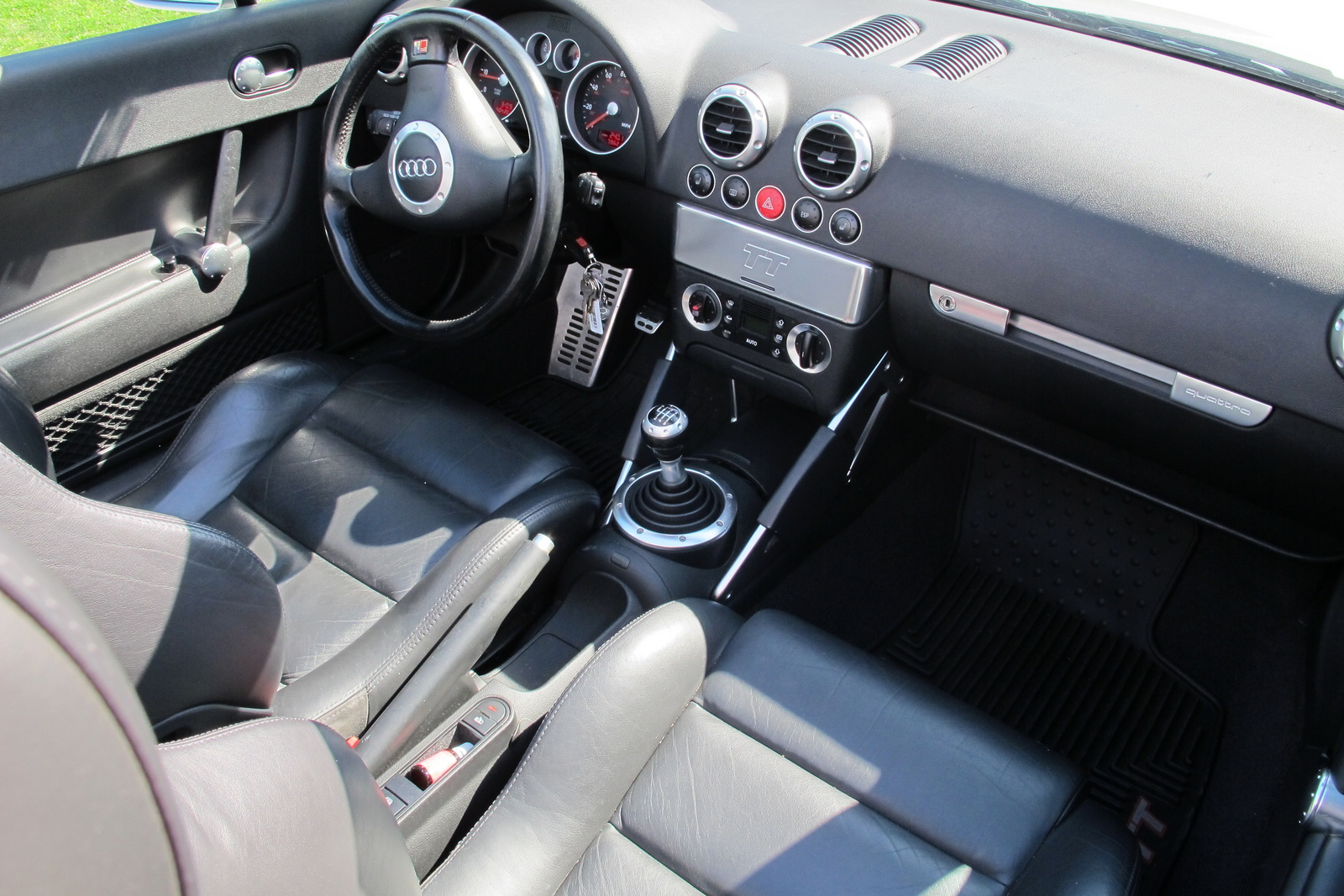 2001 audi tt interior pictures cargurus. Black Bedroom Furniture Sets. Home Design Ideas
