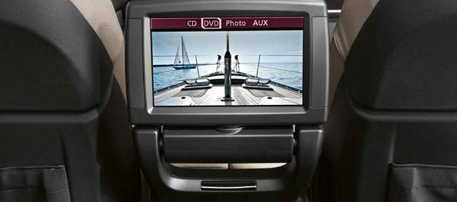 2013 BMW X6, interior navigation panel, interior, manufacturer