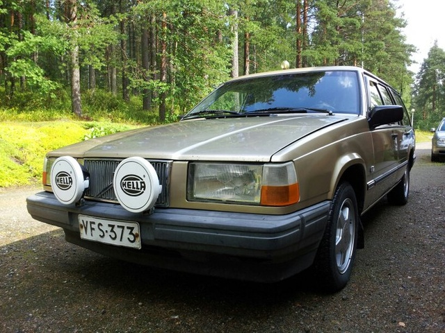 Picture of 1992 Volvo 740 GL Wagon