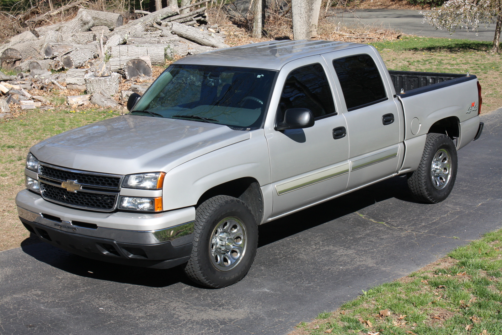 picture of 2006 chevrolet silverado 1500 ls2 crew cab 4wd exterior. Cars Review. Best American Auto & Cars Review