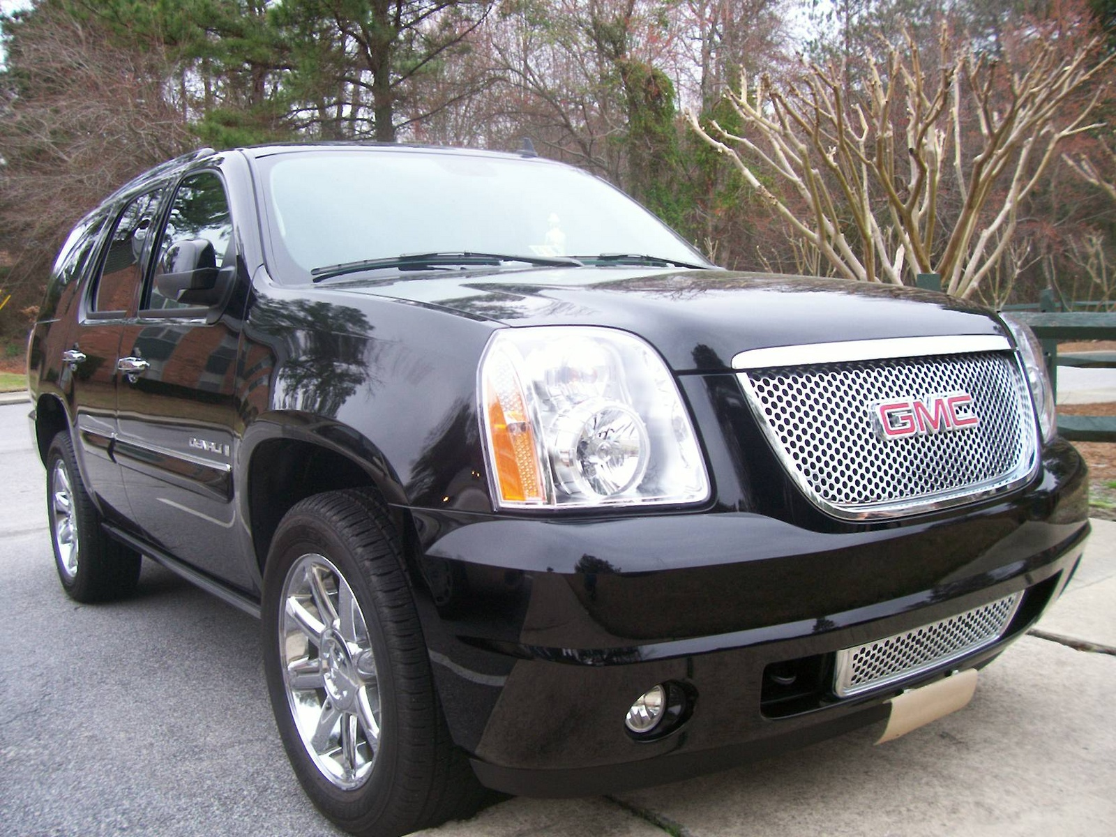 2008 gmc yukon denali pictures cargurus. Black Bedroom Furniture Sets. Home Design Ideas