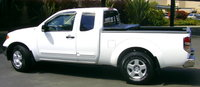 2007 Nissan Frontier King Cab SE 4X2, Avalanche White Nissan Frontier SE KC from Left w/Toolbox, exterior, gallery_worthy