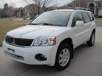 Picture of 2011 Mitsubishi Endeavor LS, exterior, gallery_worthy