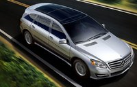2012 Mercedes-Benz R-Class, Front quarter view. , exterior, manufacturer