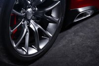 2013 SRT Viper, Front tire copyright Yahoo Autos., exterior, manufacturer, gallery_worthy