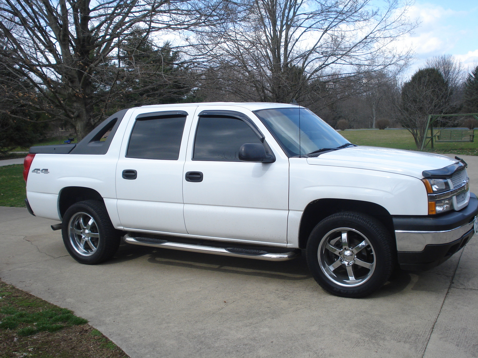 specifications 2012 chevrolet avalanche ls 4wd yahoo autos autos post. Black Bedroom Furniture Sets. Home Design Ideas
