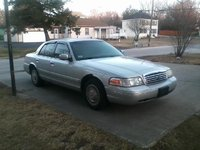 2001 Ford Crown Victoria Picture Gallery