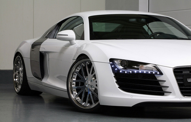 Picture of 2010 Audi R8