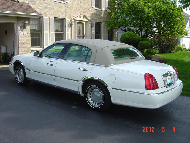 2001 Lincoln Town Car Pictures Cargurus