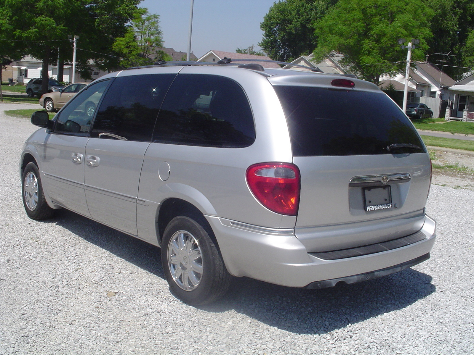 picture of 2005 chrysler town country limited exterior. Cars Review. Best American Auto & Cars Review