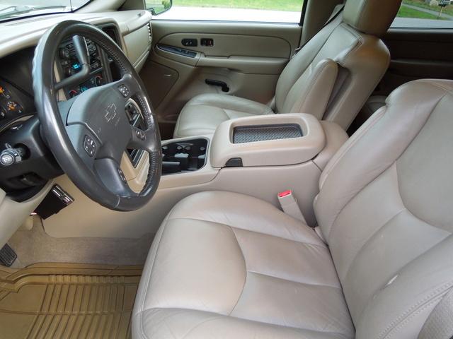 Picture of 2004 Chevrolet Silverado 2500HD LT Crew Cab LB 4WD, interior, gallery_worthy
