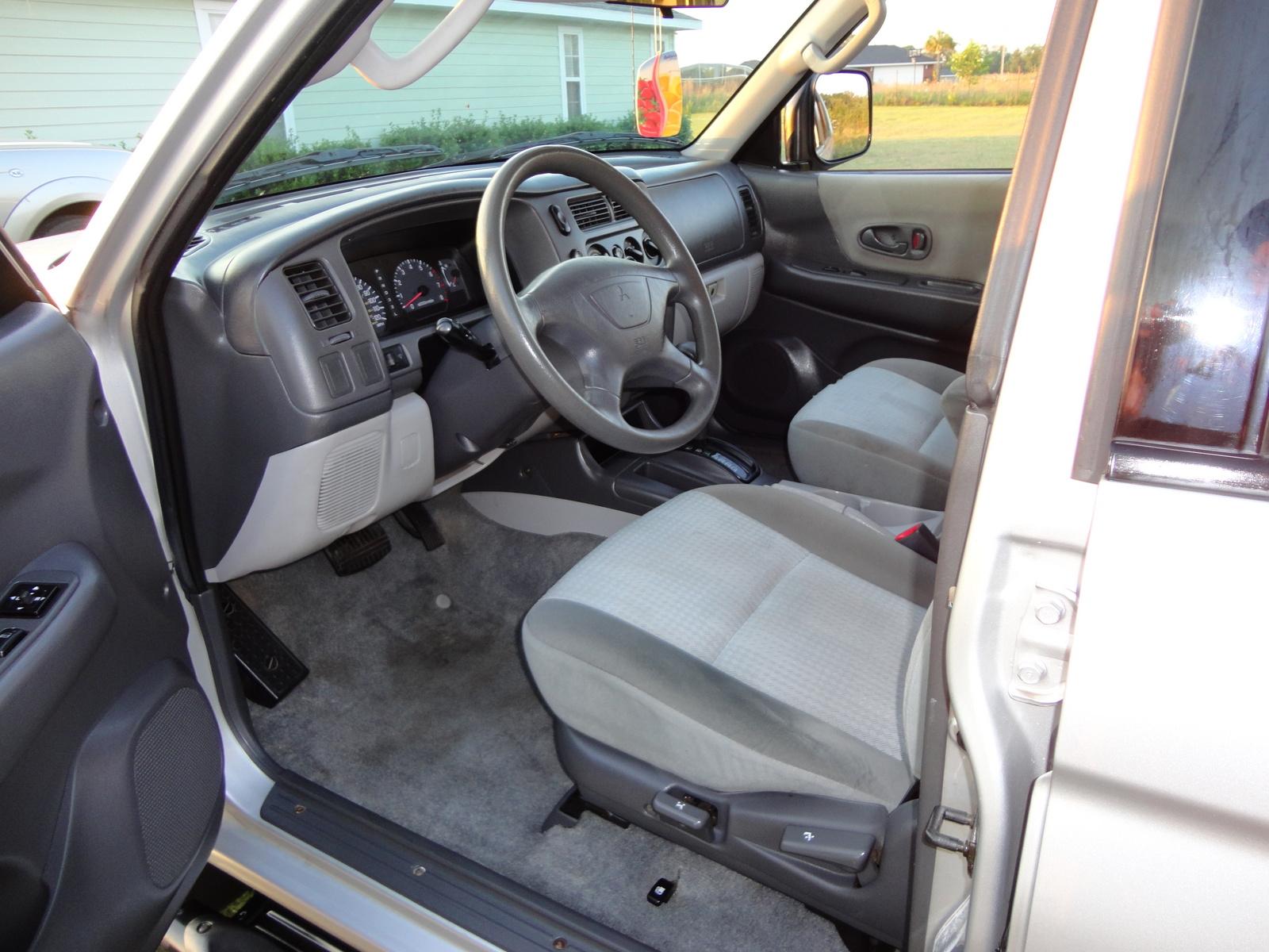 2002 mitsubishi montero sport interior car interior design for Mitsubishi montero interior