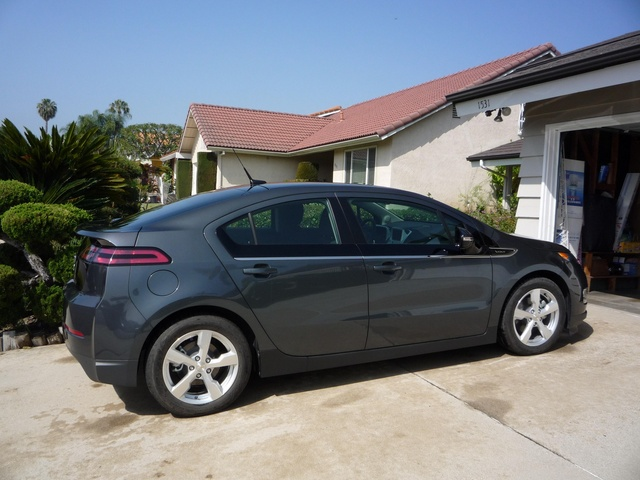 Picture of 2011 Chevrolet Volt FWD, exterior, gallery_worthy