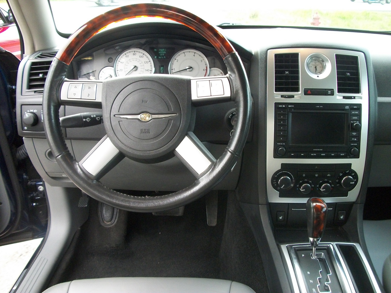 2005 chrysler 300 interior pictures cargurus