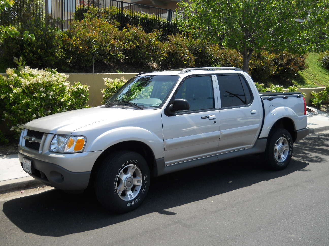 picture of 2003 ford explorer sport trac 4 dr xlt crew cab sb. Cars Review. Best American Auto & Cars Review