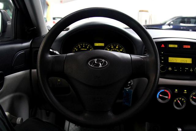 2014 Hyundai Sonata Gls >> 2007 Hyundai Accent - Interior Pictures - CarGurus