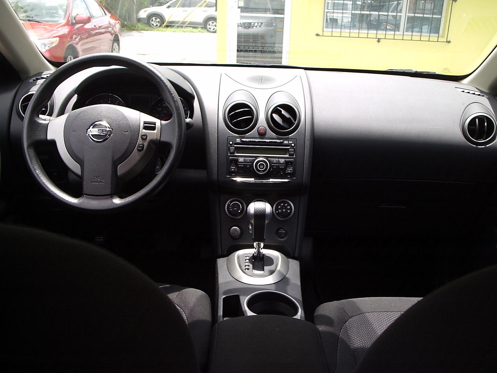 Honda Of Laurel >> 2011 Nissan Rogue - Interior Pictures - CarGurus
