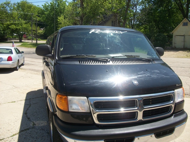 Picture of 2002 Dodge RAM Wagon 1500 Passenger RWD, exterior, gallery_worthy