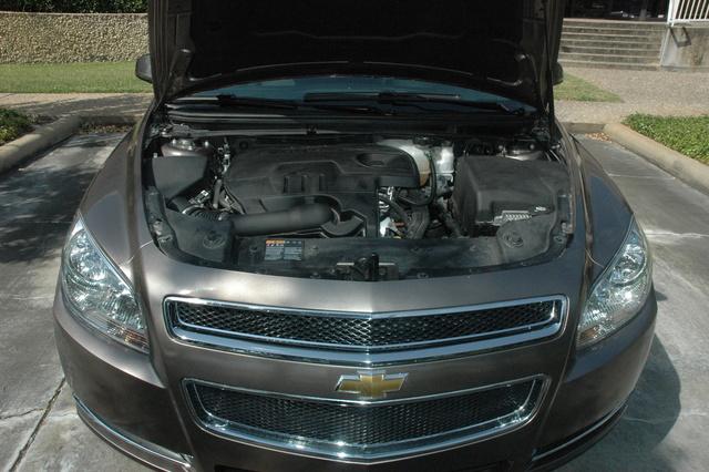 Picture of 2011 Chevrolet Malibu LT, engine
