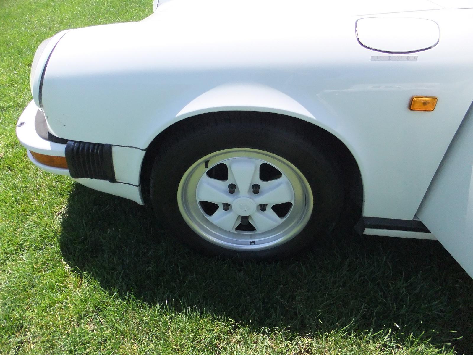 Picture of 1984 Porsche 911