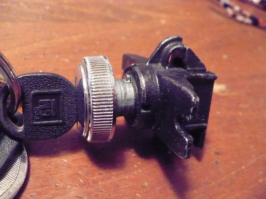 chevrolet el camino questions 1978 elcamino glove box lock removal 1987 el  camino fuse box 1987 el camino fuse box