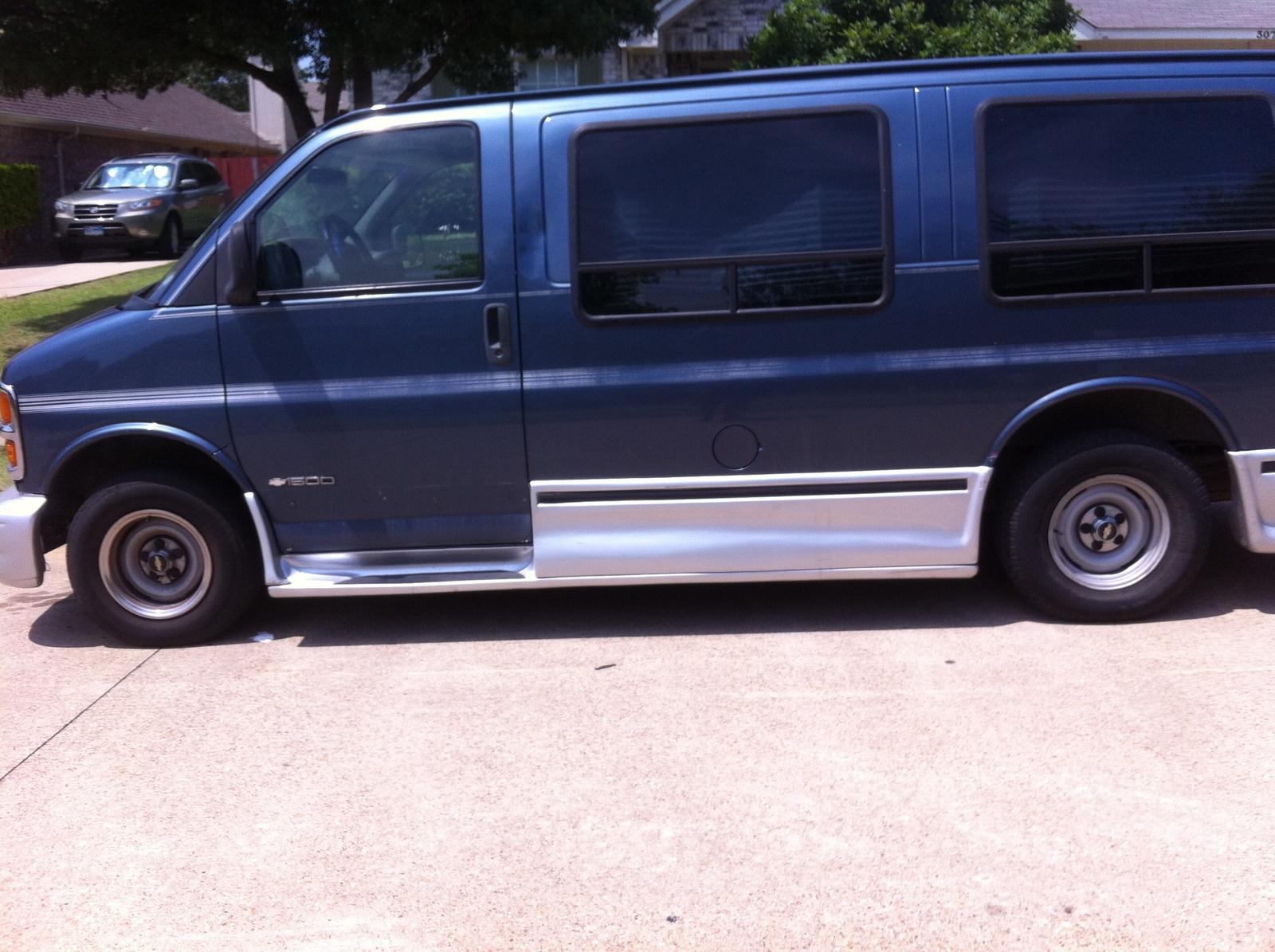 Picture of 1998 Chevrolet Chevy Van 3 Dr G1500 Cargo Van