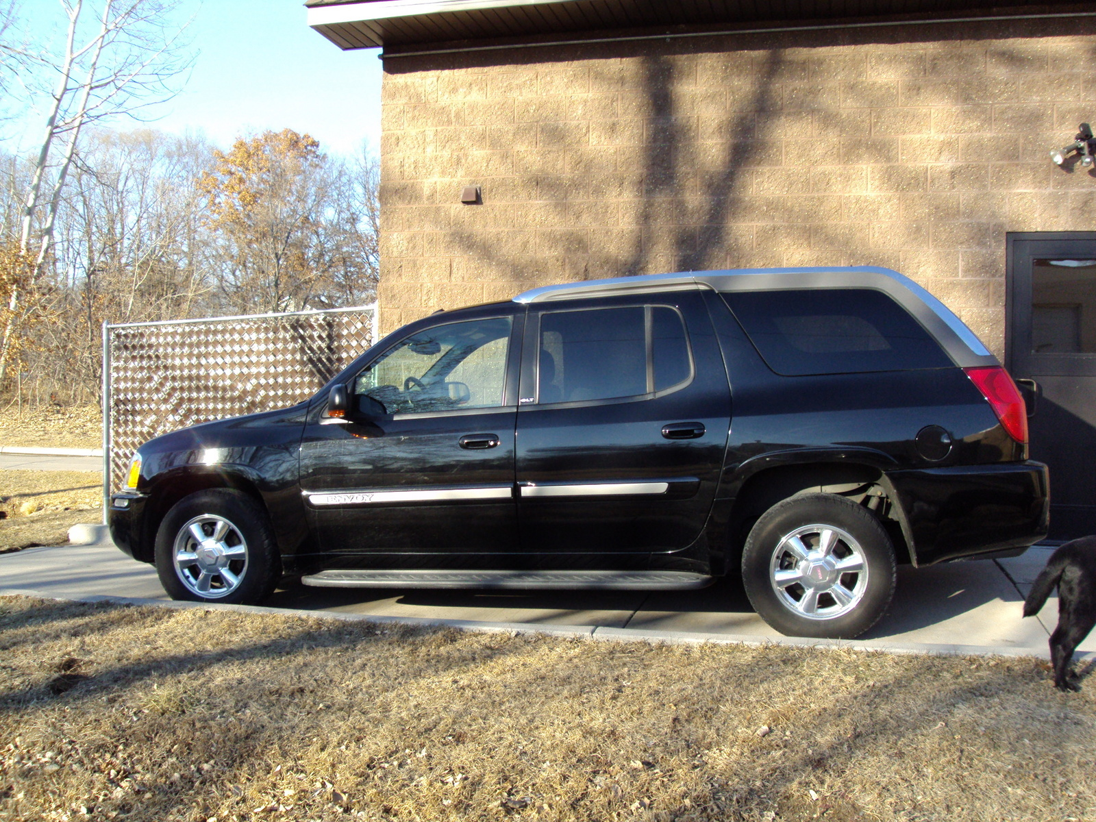 2004 gmc envoy xuv trim information cargurus. Black Bedroom Furniture Sets. Home Design Ideas