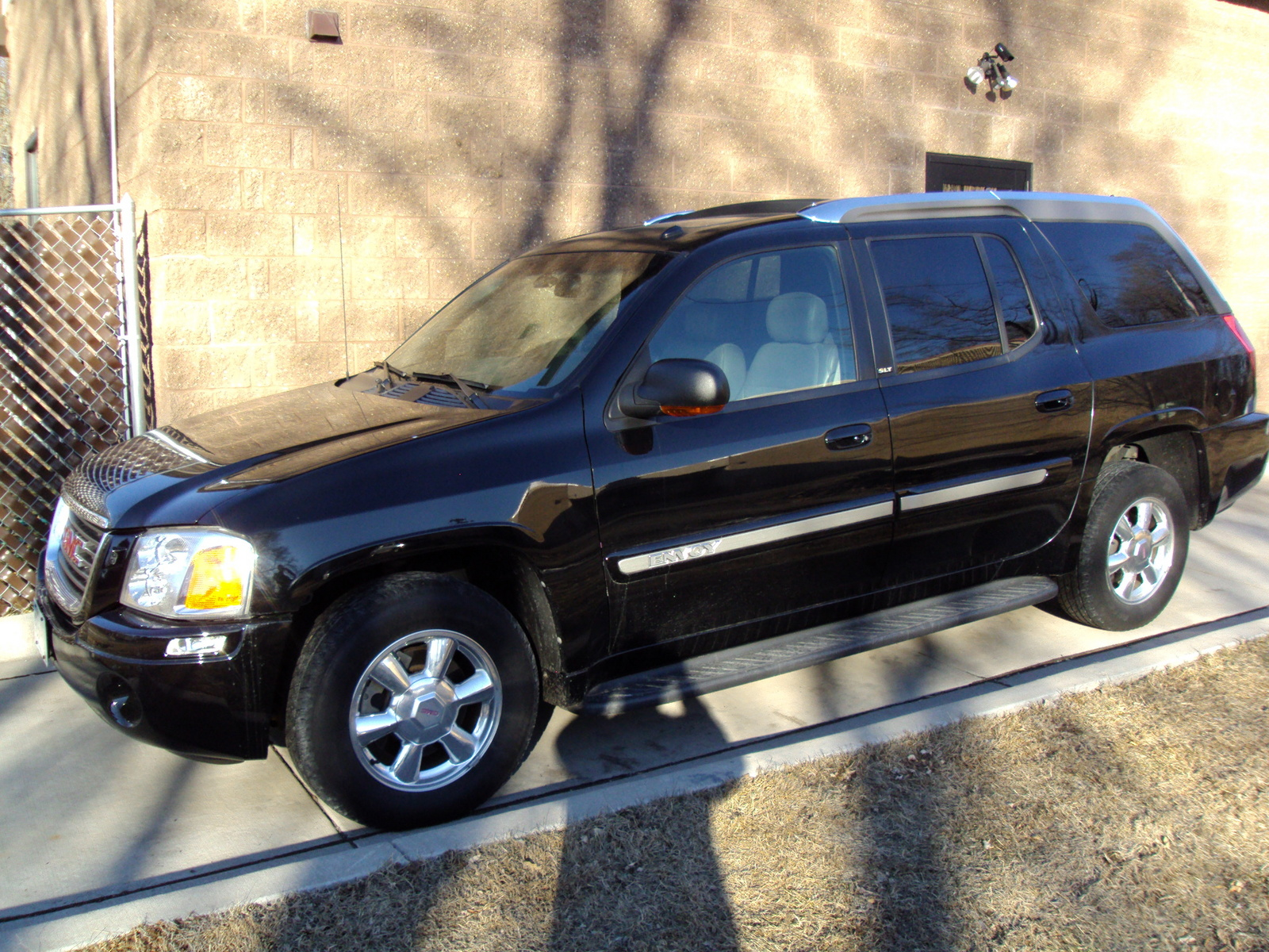 2004 gmc envoy xuv exterior pictures cargurus. Black Bedroom Furniture Sets. Home Design Ideas