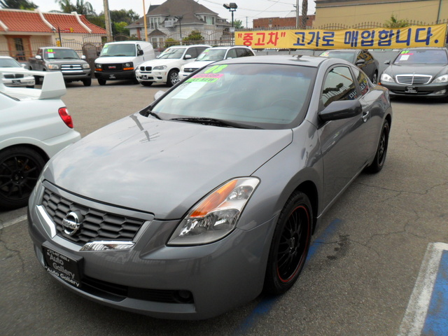 Picture of 2011 Nissan Altima Coupe