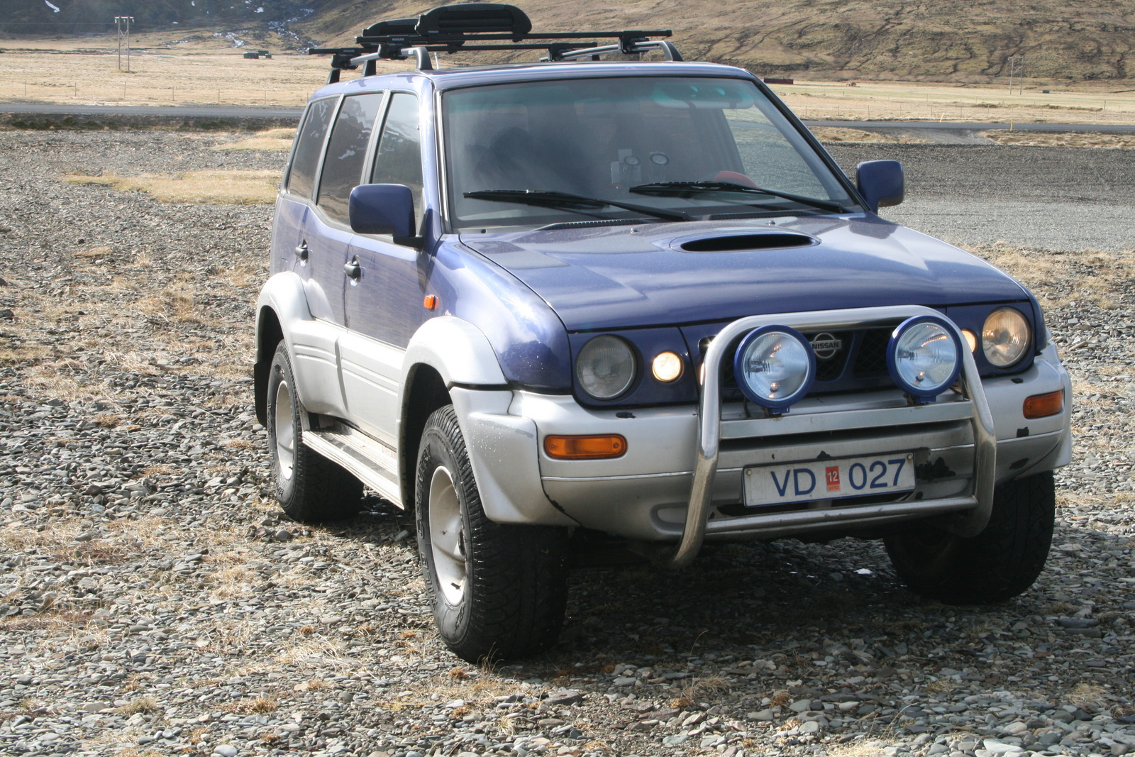 Home / Research / Nissan / Terrano II / 2000