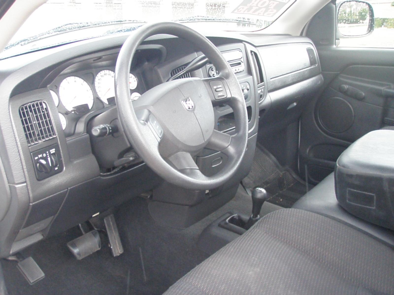 2004 dodge ram pickup 1500 interior pictures cargurus. Black Bedroom Furniture Sets. Home Design Ideas