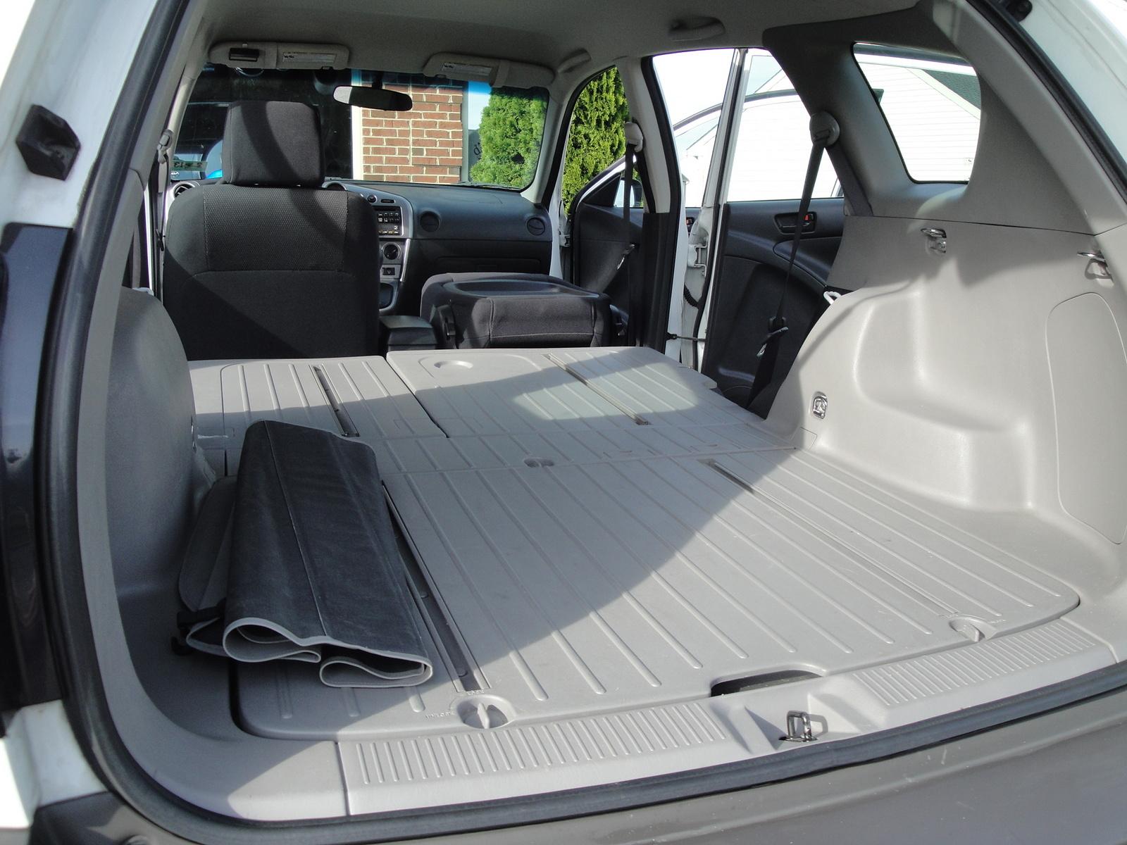 2005 pontiac vibe interior pictures cargurus. Black Bedroom Furniture Sets. Home Design Ideas