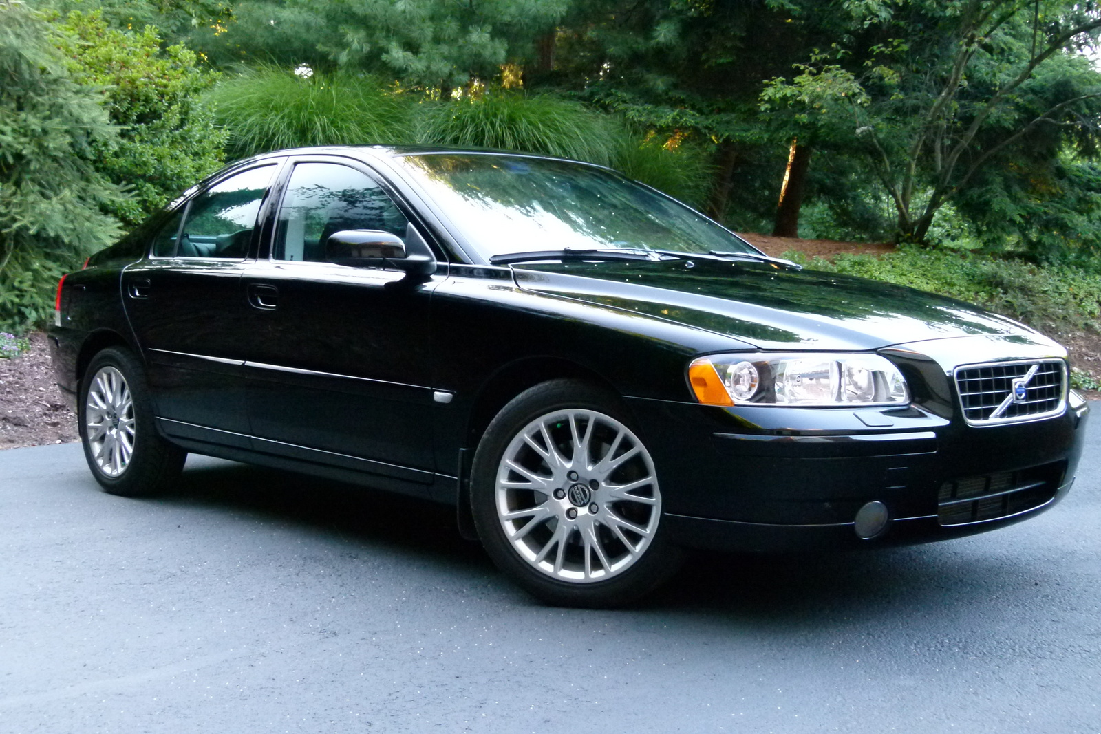 2005 volvo s60 exterior pictures cargurus. Black Bedroom Furniture Sets. Home Design Ideas