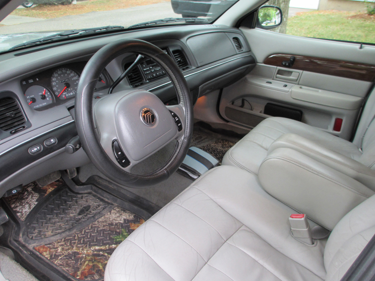 1990 Mercury Sable Overview C2840 in addition P 0996b43f802e3969 furthermore 1993 Mercury Grand Marquis Pictures C2821 besides Heater Diagram 2004 Mercury Monterey additionally Fcc Id Gq43vt4t Trw Inc 3165189 Oem 3 Button Keyless Entry Remote. on 1995 mercury mountaineer
