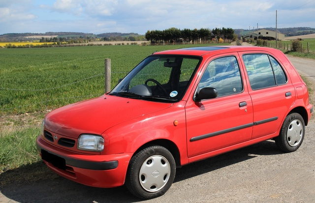Picture of 2000 Nissan Micra