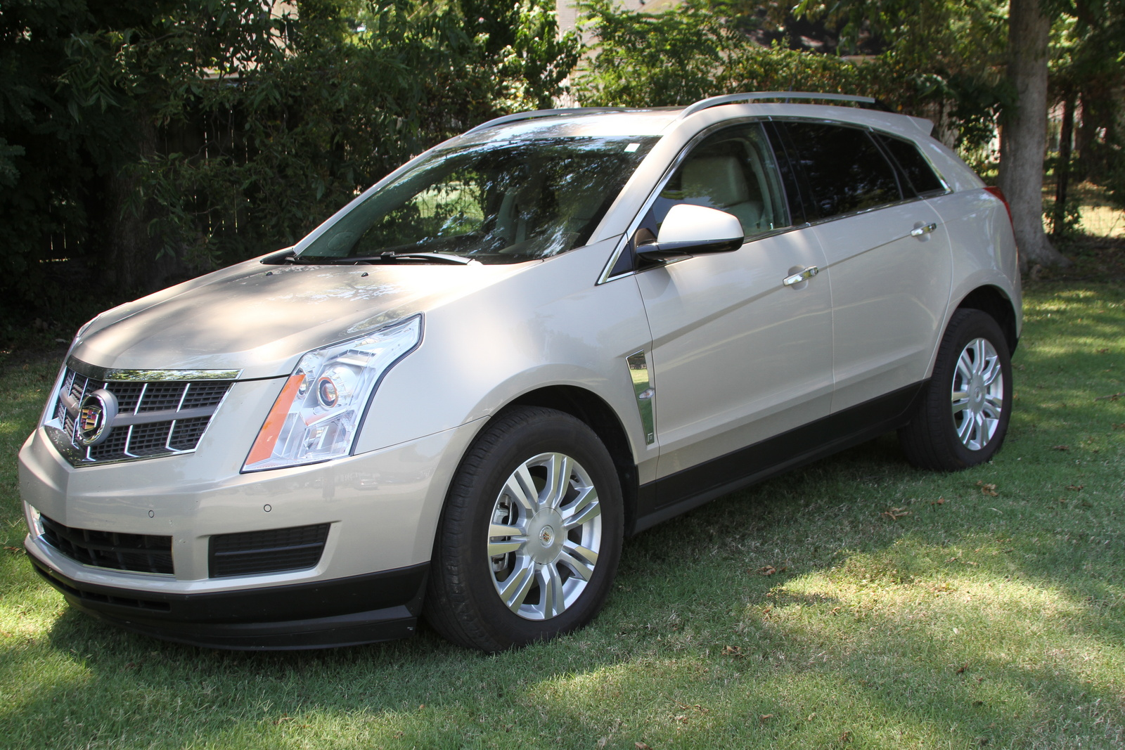 2011 cadillac srx pictures cargurus. Black Bedroom Furniture Sets. Home Design Ideas